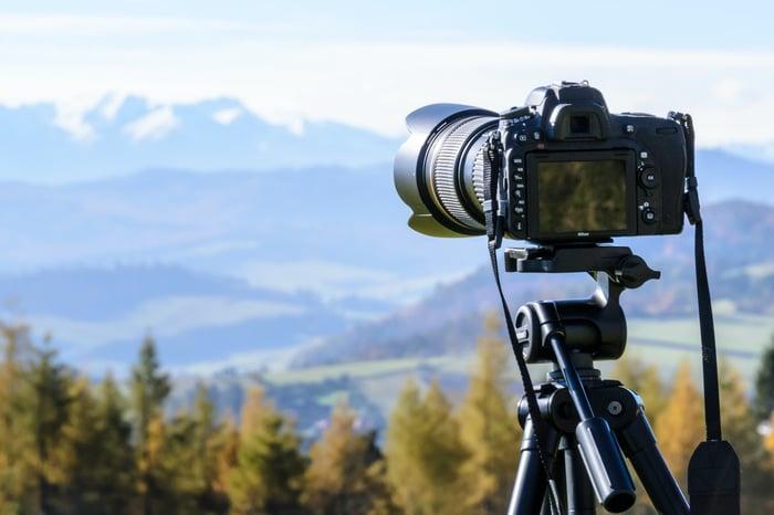 dslr camera mounted